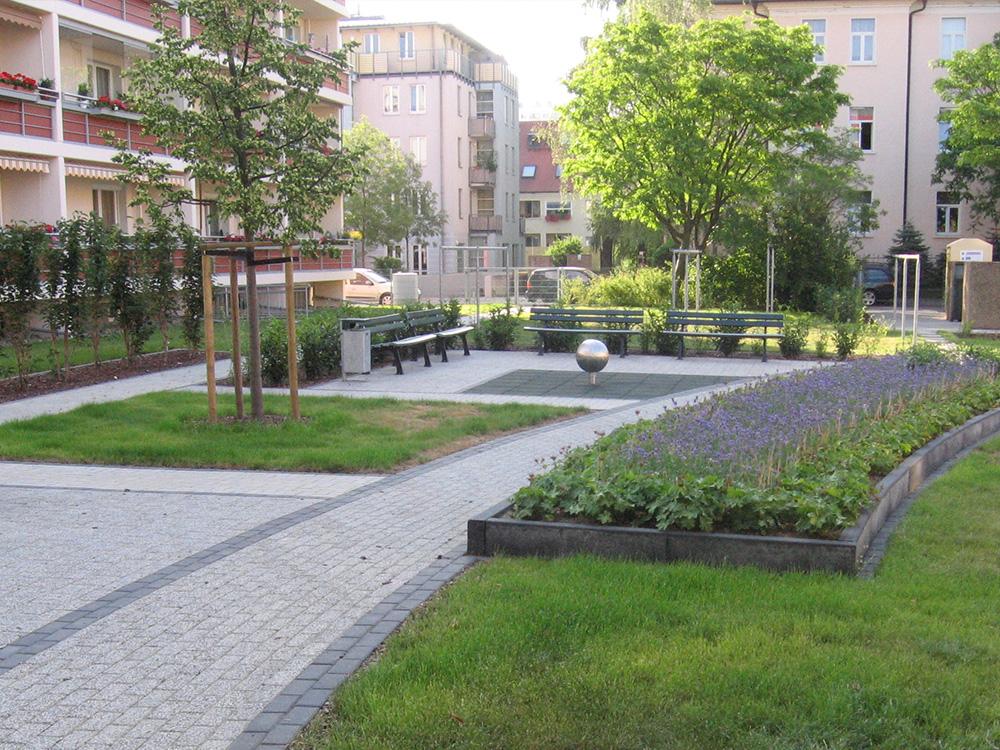 Ansicht der Außenanlagen Wiesenstraße in Dresden 2005