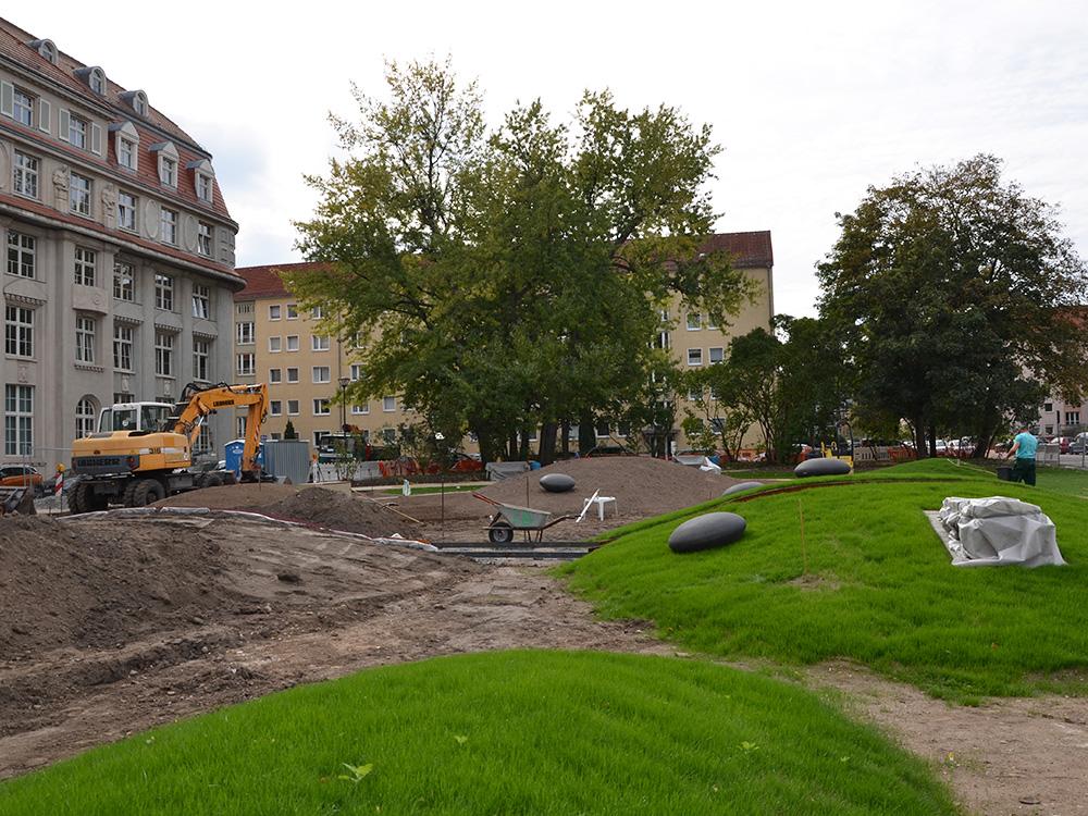 Hügellandschaft des Sternplatzes in Dresden während der Bauphase 2019