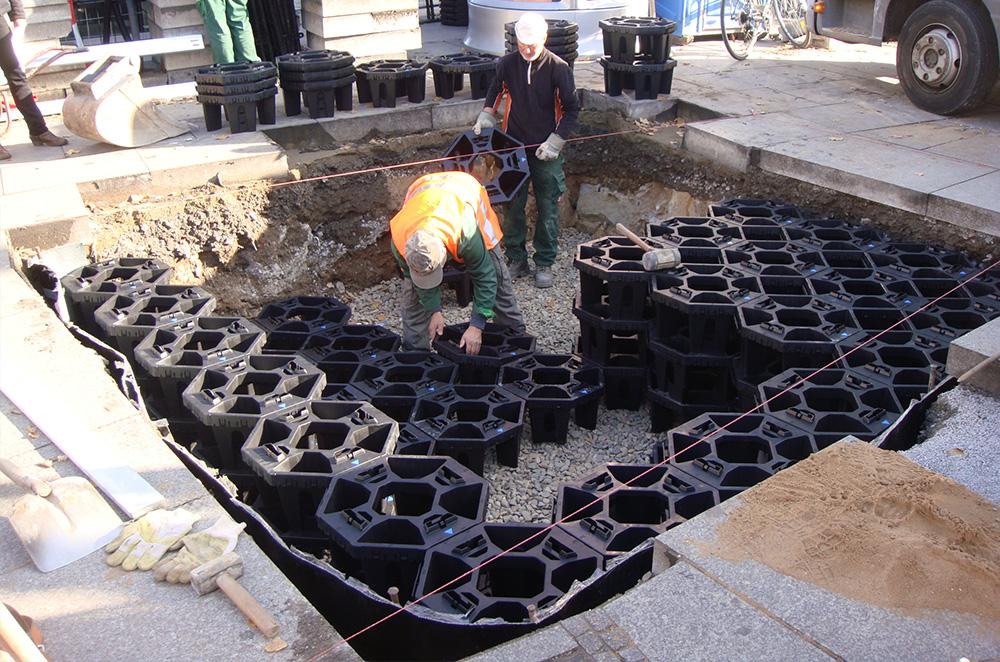 Modulares Belüftungssystem für die Baumpflanzung auf der Waisenhausstraße in Dresden 2011